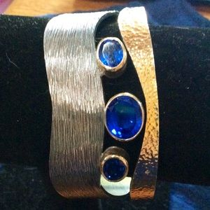 Jewelry - Artisan two toned cuff w/ 24K plating